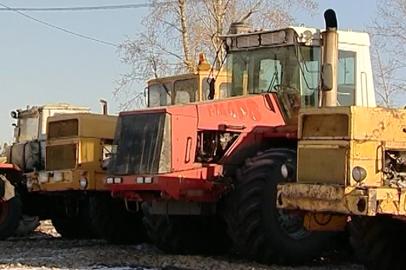 Амурские аграрии готовят сельхозтехнику к зимовке