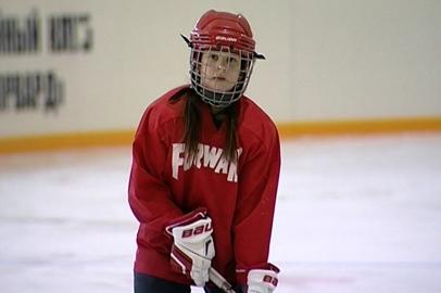 Юная благовещенка превзошла мальчишек в хоккее