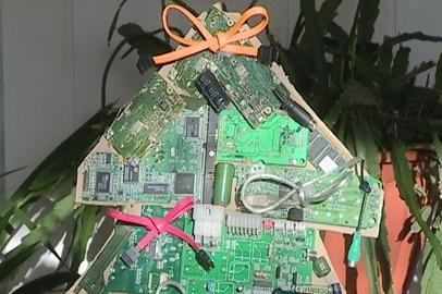 Дизайнеры АмГУ предлагают благовещенцам создать новогоднюю елку