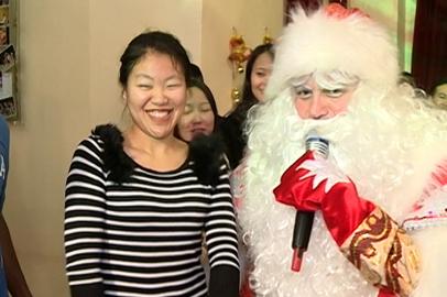 Иностранные студенты амурских вузов поучаствовали в новогоднем представлении