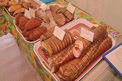 Жители Белогорска распробовали местные сельхозпродукты