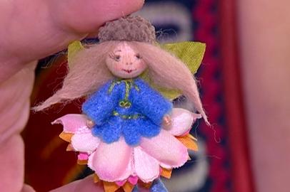 Амурская мастерица увлеклась созданием крошечных куколок