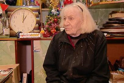 Старейший работник Амурского драмтеатра Валентина Матвеева отмечает юбилей