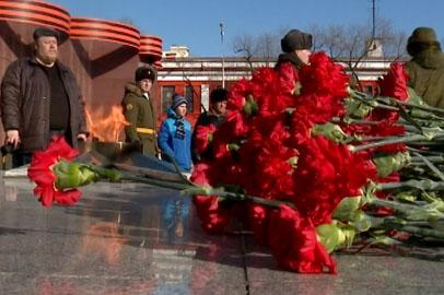 День защитника Отечества в Приамурье отметили возложением цветов и чествованием лучших военных