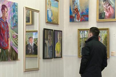 Необычная экспозиция портретов открылась в Благовещенске