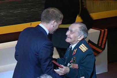 Губернатор Приамурья поздравил ветеранов с Днем Победы