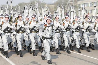 В Благовещенске празднование 9 Мая открылось парадом Победы