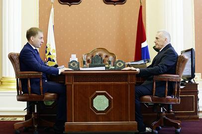 Александр Синьков стал советником губернатора Приамурья по вопросам строительной отрасли