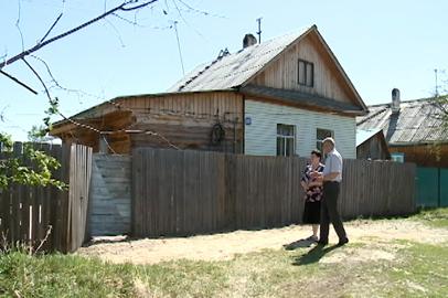 Жители Заречной Слободы получили новое жилье взамен сгоревшего