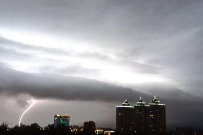 Грозы и шквалистый ветер задержатся в Приамурье на неделю