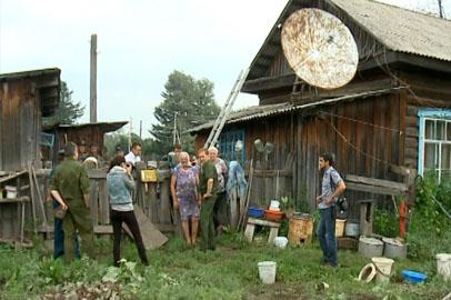 Жители селемджинских сел восстанавливают поврежденные паводком дома