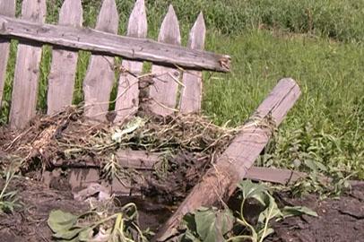 Жители подтопленного села Мирное: дождевым потоком в домах выбивало двери