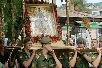 Православные со всего Приамурья прошли крестным ходом по улицам Благовещенска