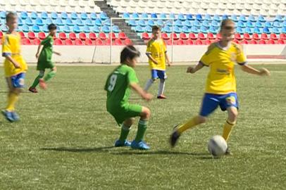 Юные амурские футболисты сыграли с китайскими сверстниками