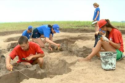 Мародеры помешали работе археологов на раскопках вблизи Усть-Ивановки