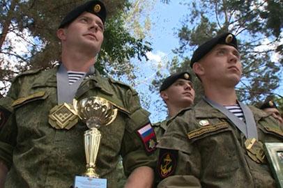 Курсанты ДВОКУ заняли первое место в конкурсе «Морской десант» на  Армейских играх