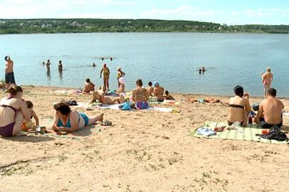 Прокуратура: платный пляж на Чигиринском водохранилище работает с нарушением закона