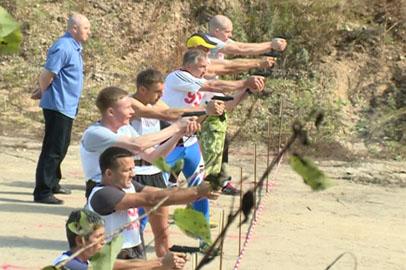 Амурские полицейские стали первыми в соревнованиях по служебному  биатлону
