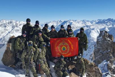 Курсанты ДВОКУ покорили очередную горную вершину
