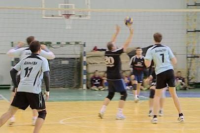 Команды энергетиков и спасателей стали лучшими в первенстве Благовещенска по волейболу