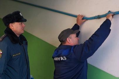Специалисты МЧС совместно с газовиками проверили дома в районе аэропорта Благовещенска