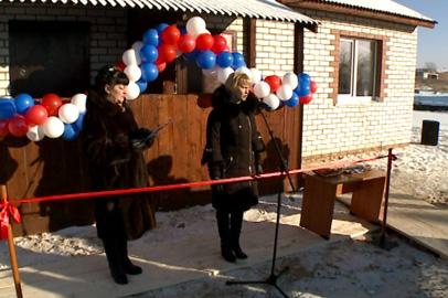 Сироты Октябрьского района получили ключи от благоустроенных квартир