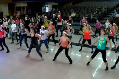 Участники зумба-пати в Благовещенске танцевали полтора часа без остановок