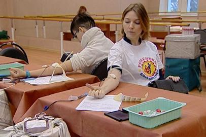 Более 50 литров крови собрали в рамках акции, организованной ансамблем «Ровесники»