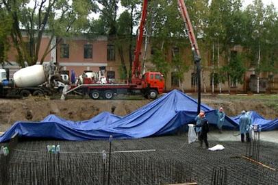 В ДВОКУ приступили к созданию подушки под фундамент будущего храма