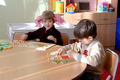 «Счастье каждому»: Ангелине и ее брату Диме необходима родительская забота