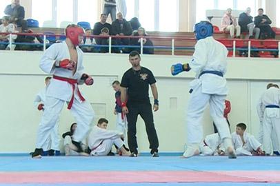 Рекордное число спортсменов собрал чемпионат Приамурья по рукопашному бою