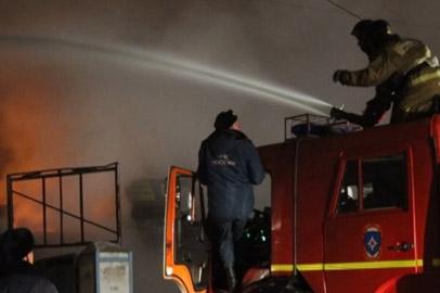 Благовещенская автостоянка сгорела из-за замыкания электропроводки в автомобиле