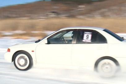 На ледовые гонки в окрестностях Благовещенска собрались более 60 участников