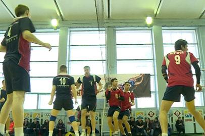 Учащиеся благовещенских колледжей выявляют лучших в волейболе