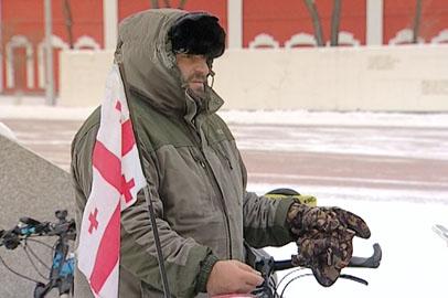 Грузинский велосипедист-общественник возобновляет пробег по Приамурью