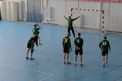 Амурские гандболисты упустили лидерство во 2 туре чемпионата Дальнего Востока