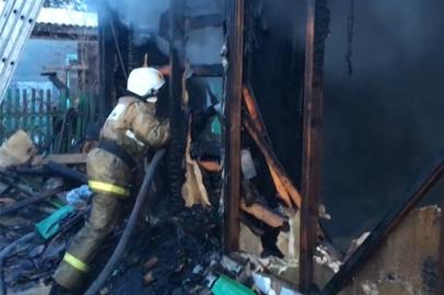 В Благовещенске проводится проверка по факту гибели 3 человек во время пожара