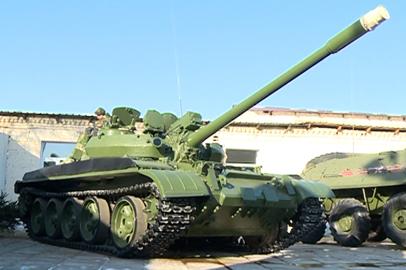 К Дню защитника Отечества в ДВОКУ восстановили советский танк Т-55