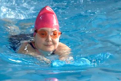 Лечение плаванием организовали для юных благовещенцев с ослабленным здоровьем