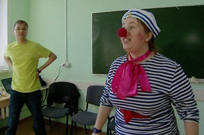 Благовещенские больничные клоуны получили урок мастерства от московского актера