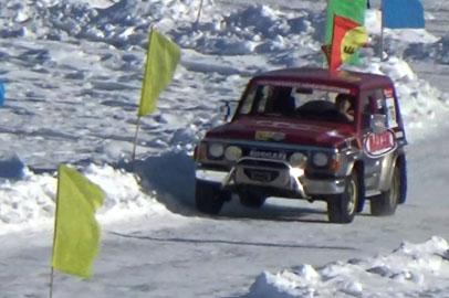 Амурские джипперы победили на турнире по ледовым автогонкам в Китае