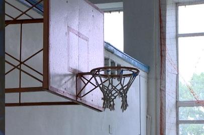 В срочном ремонте нуждаются 11 школ Амурской области