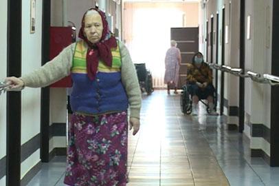 Программа по устройству пожилых людей в семьи действует в Приамурье