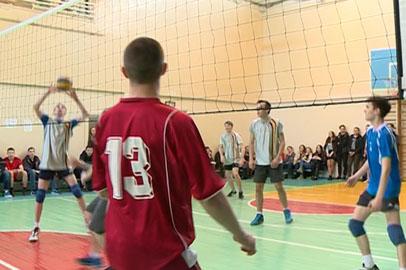 Лучшие школьные команды волейболистов выявили в Благовещенске
