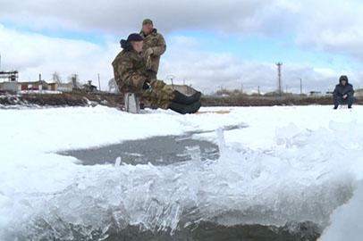 Спасатели настоятельно предостерегают амурчан от выхода на тонкий лед