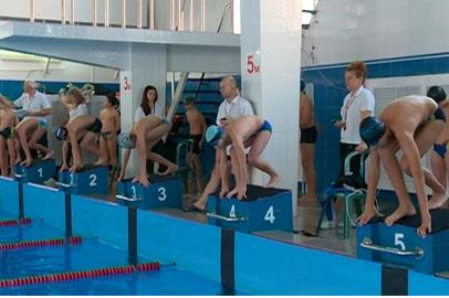 Юные пловцы Благовещенска завоевали 9 медалей на открытых соревнованиях во Владивостоке