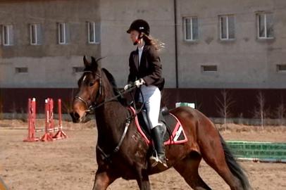 Амурские всадники открыли сезон по конному спорту конкуром