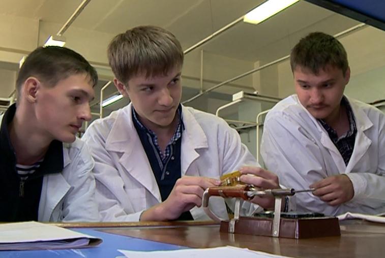Амурские студенты-радиомеханики проходят первую практику