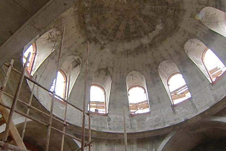 В строящемся храме в микрорайоне Благовещенска начали проводить богослужения