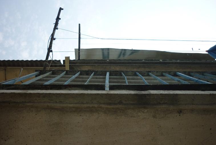 После капитального ремонта в шимановской пятиэтажке течет крыша